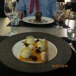 Le dessert : Carotte confite et en arrière plan le chocolat liégeois