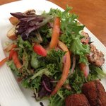 Fried goat cheese salad with shrimp
