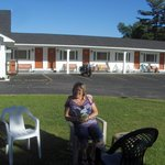 1st to arrive, chillin' on the front lawn.  Our room and bike in the background