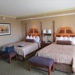 広々としたベッド。デザインも素敵でしょ?