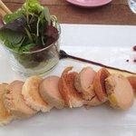 Foie gras con pan brioche