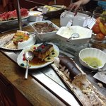 5 foto cena- postres ( tartas variadas, flan, fruta)