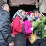 Selfies reach Ha Giang. They were so interested in how the phone worked