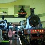 unas locomotoras completas  fantasticas