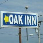 Buffalo MO Oak Inn Sign