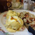 Eggs Beny