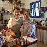Mme Cléa et une cuisinière