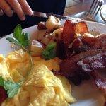Eggs, bacon och sausage