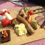brunch tray in Hallegaard