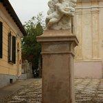 Статуя портала перед собором Св. Мадонны