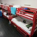Betten im Schlafsaal, Ergeschoss