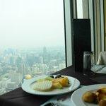 Ресторан на 77 этаже.