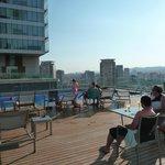 Piscine vue ville 13ième étage