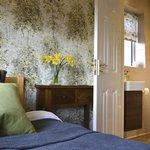Our single en-suite room