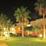 vue de nuit du Karibea Resort Sainte Luce hôtel Amyris