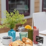 Breakfast at 21 Broad, a Nantucket boutique hotel