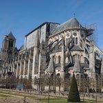 ダイナミックなサンテティエンヌ大聖堂