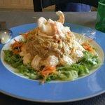 Ensaladilla de marisco en restaurante la parra.exquisito