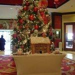 El arbol de navidad que se encontraba en el Lobby