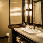 Courtyard Room Bathroom Area