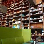 Bibliothèque, TV et Restaurant Tapas