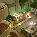 атриум отеля