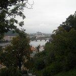 Вид на Пражский Град со стен Вышеграда