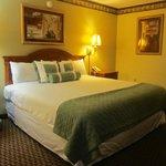 Photo de Americas Best Value Inn-St. Louis / Downtown