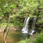 Four waterfall walk - nearby hotel.