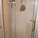 Λειτουργικό και καθαρό μπάνιο