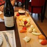 plateau de fromages accompagné d'un Volnay !!