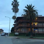 La Jolla Shores hotel (street side)