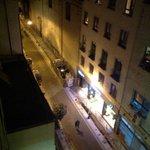 calle del hotel desde la habitacion