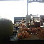 relajante comer frente al mar