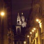 Notre-Dame de Lorette et Sacré Coeur la nuit