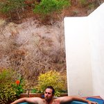 A pic of the outdoor hot tub ��