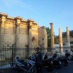 Biblioteca de Adriano vista da Praça Monastiraki