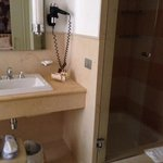 excellent bathroom