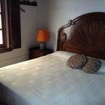 Habitación de cama sencilla tamaño king