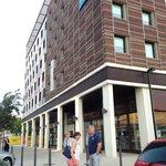 Voorzijde Ibis budget hotel Nimes