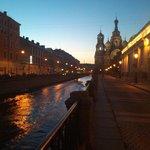 Вдоль канала Грибоедова. 15 минут ходьбы до Спаса