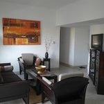 living room  (ROOM6)