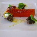 前菜:赤ピーマンとオリーブオイルのテリーヌ、砂肝のコンフィほか