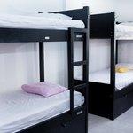Dormitorios de 8 camas con Aire Acondicionado y Baño