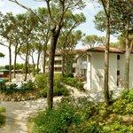 angoli relax nel giardino e tanto spazio per le famiglie ad Eraclea Mare