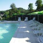piscine réservé à la clientèle de l'hôtel pour bronzer ou vous reposer en  toute tranquilité