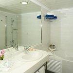 HSM Atlantic Park- Junior suite bathroom