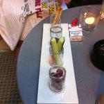 Prélude (tapenade, légumes façon enchoiade, olives)