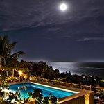 Lua cheia enfeitando o hotel