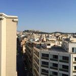 Uitzicht vanaf dakterras op Akropolis